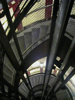 Spiral staircase down to platforms